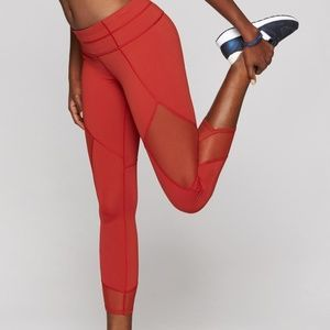NWOT Athleta Red Aura Sonar Capri Leggings